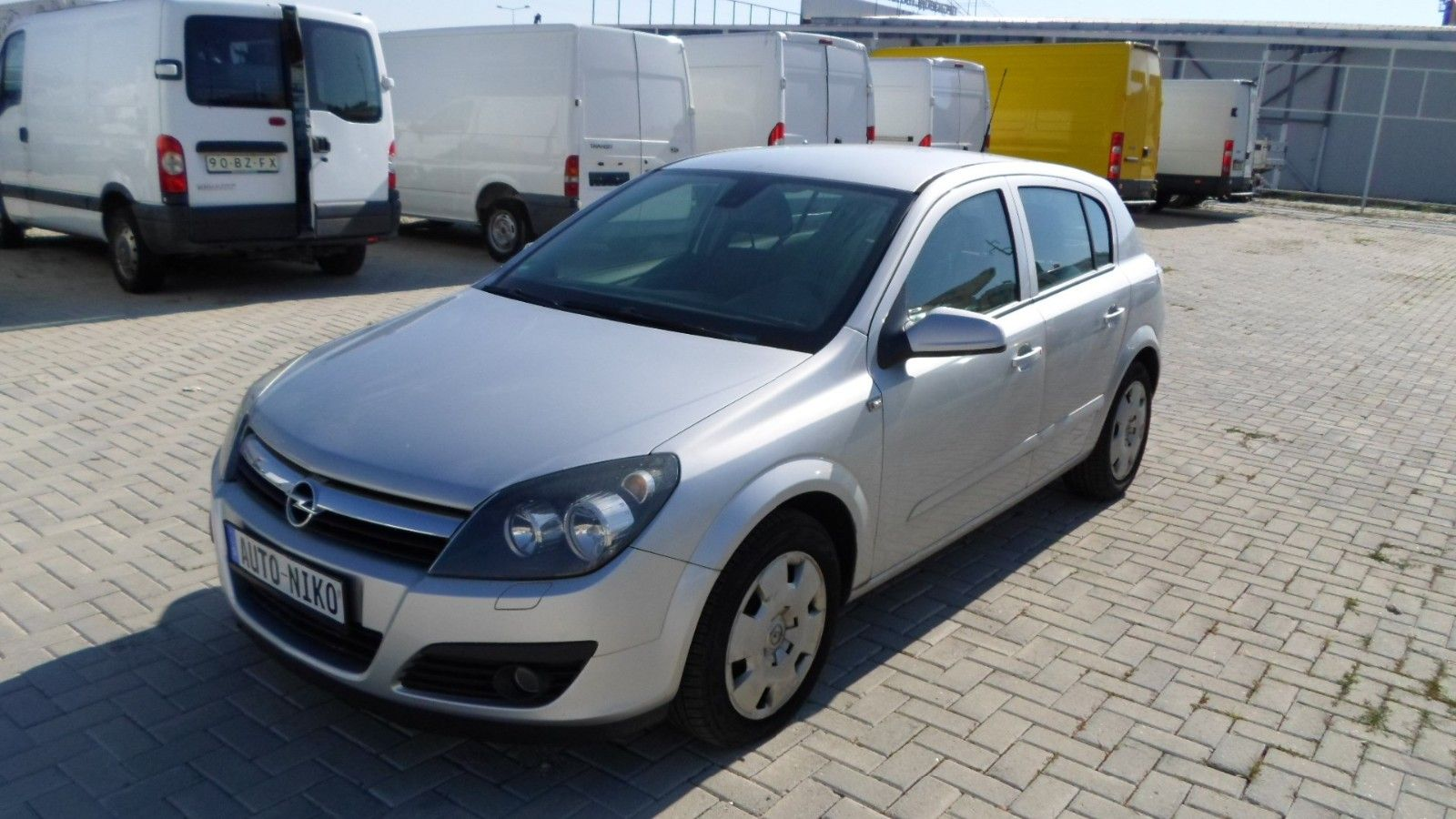 OPEL ASTRA 2006 74 KW- 99 HP